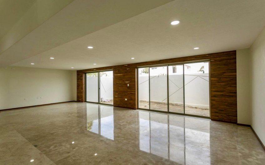 """MAGNÍFICA RESIDENCIA EN """"RESIDENCIAL SANTA FE"""" CON MASTER SUITE Y SALA DE CINE. Construcción: 610.00 m2"""