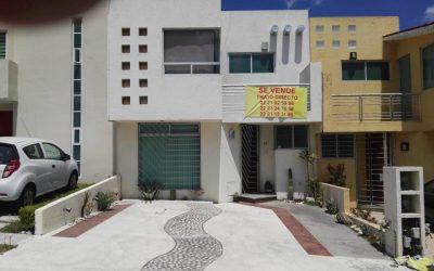 09c632b87 Casa en Venta en Lomas del Valle en Puebla, 2 niveles, cochera para ...