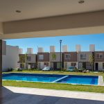 Vista-alberca-desde-terraza-en-Arboledas-Residencial